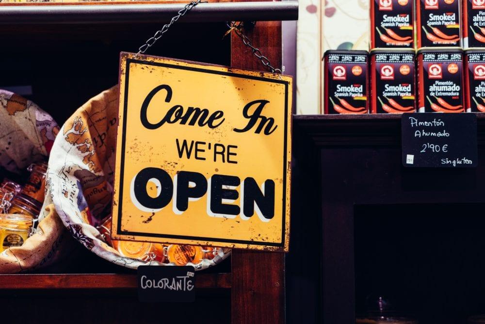 blog-Skuteczna reklama a mały budżet – reklama offline-wyróżniające-min