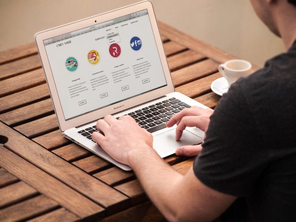 blog-Nowoczesna strona internetowa. Dlaczego Twoja www wymaga modernizacji.wyróżniające-min