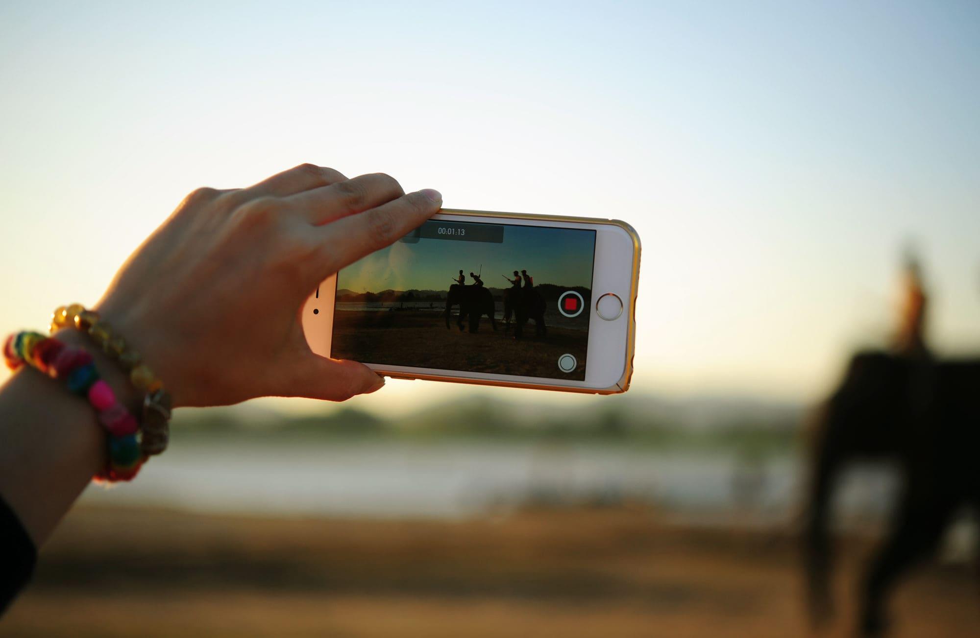 blog-O potędze wideo. Czyli jak nagrywanie krótkich filmików może Ci pomóc w rozwoju biznesu.wyróżniające-min
