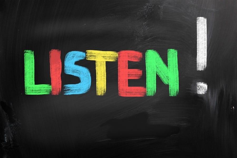 blog-Jak słuchać, by do nas mówiono.wyróżniające-min